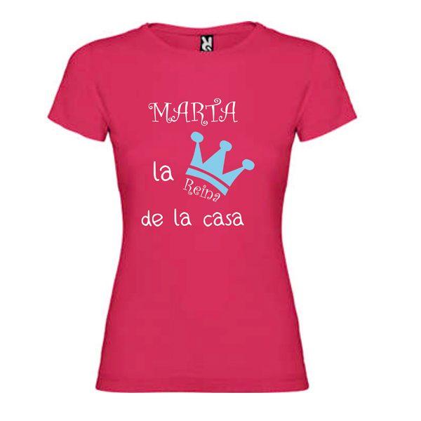 camiseta-fucsia-soy-la-reina-de-la-casa